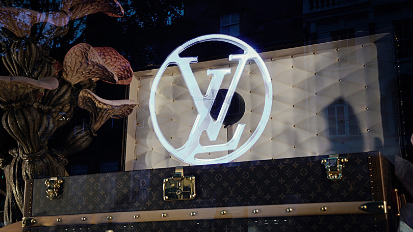 HYPERVSN installation for Louis Vuitton in Selfridges